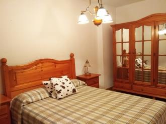 dormitorio_4-apartamentos-jaca-3000-jaca-pirineo-aragones.jpg