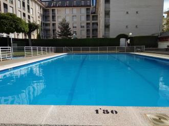 piscina-apartamentos-jaca-3000_jaca-pirineo-aragones.jpg