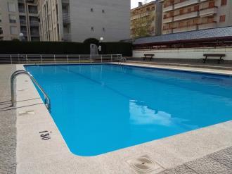piscina_3-apartamentos-jaca-3000-jaca-pirineo-aragones.jpg