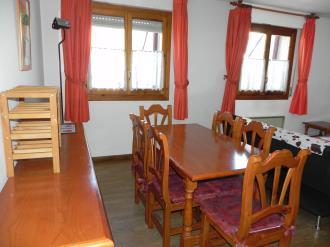 salon-comedor_3-apartamentos-jaca-3000-jaca-pirineo-aragones.jpg