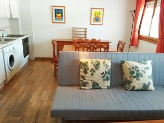 salon-comedor_5-apartamentos-jaca-3000-jaca-pirineo-aragones.jpg