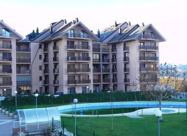 Fachada Invierno Apartamentos Jaca 3000 Jaca