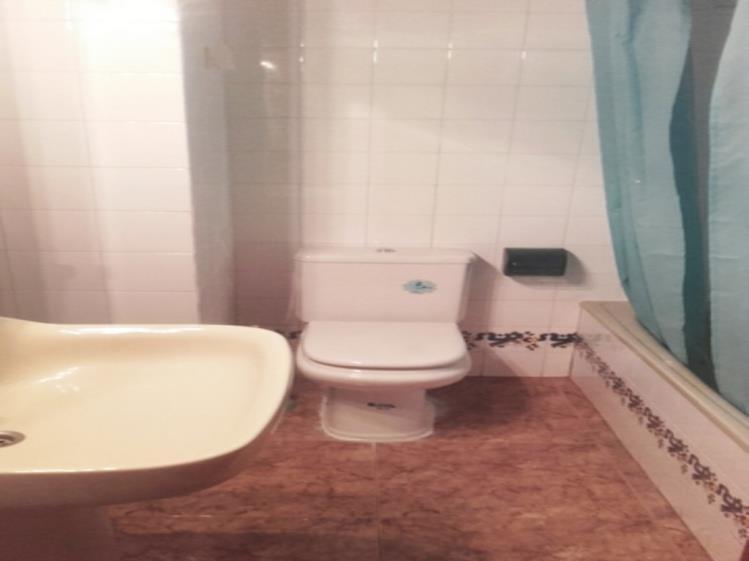 Baño Apartamentos Gandia Low Cost sin piscina 3000 Gandia