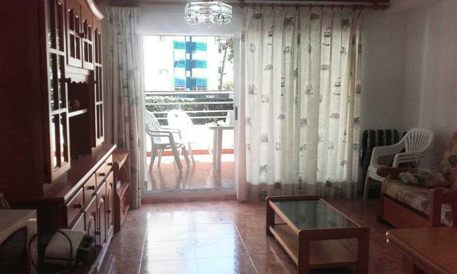 Salón Apartamentos Gandia Low Cost sin piscina 3000 Gandia