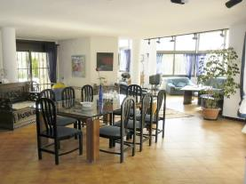salon-comedor_1-villa-montecarlo-3000cambrils-costa-dorada.jpg