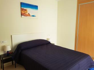 dormitorio-apartamentos-benicarlo-centro-3000-con-piscina-benicarlo-costa-azahar.jpg