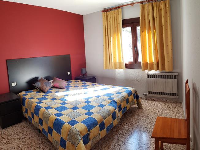 dormitorio-apartamentos-arinsal-3000-la-massana-estacion-vallnord.jpg