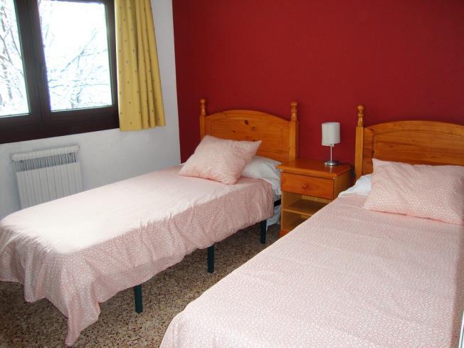 dormitorio_11-apartamentos-arinsal-3000la-massana-estacion-vallnord.jpg