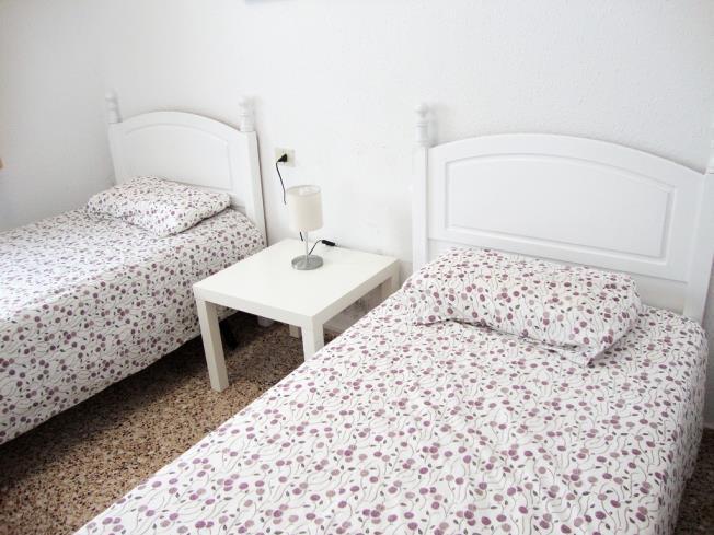 dormitorio_15-apartamentos-arinsal-3000la-massana-estacion-vallnord.jpg