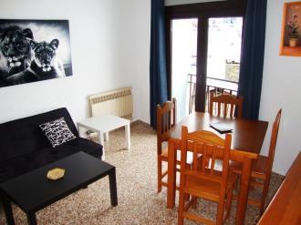 salon-comedor_2-apartamentos-arinsal-3000la-massana-estacion-vallnord.jpg