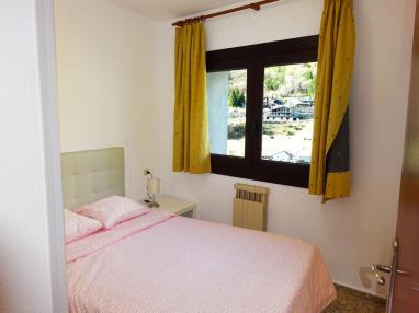 dormitorio_8-apartamentos-arinsal-3000la-massana-estacion-vallnord.jpg