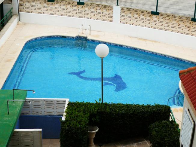piscina-apartamentos-jardines-de-gandia-vi-viii_3000-gandia-costa-de-valencia.jpg