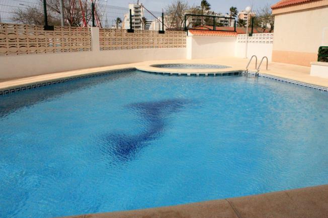 piscina_1-apartamentos-jardines-de-gandia-vi-viii_3000gandia-costa-de-valencia.jpg