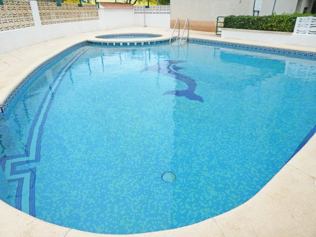 piscina_2-apartamentos-jardines-de-gandia-vi-viii_3000gandia-costa-de-valencia.jpg
