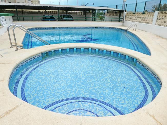 piscina_4-apartamentos-jardines-de-gandia-vi-viii_3000gandia-costa-de-valencia.jpg