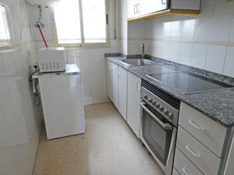 cocina_2-apartamentos-jardines-de-gandia-vi-viii_3000gandia-costa-de-valencia.jpg