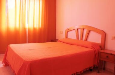 dormitorio_4-apartamentos-jardines-de-gandia-vi-viii_3000gandia-costa-de-valencia.jpg