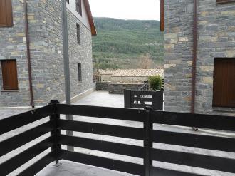 balcon_1-apartamentos-gavin-biescas-3000biescas-pirineo-aragones.jpg