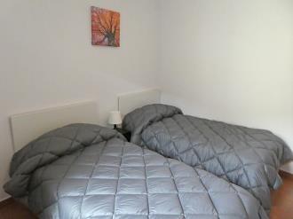 dormitorio-apartamentos-gavin-biescas-3000-biescas-pirineo-aragones.jpg