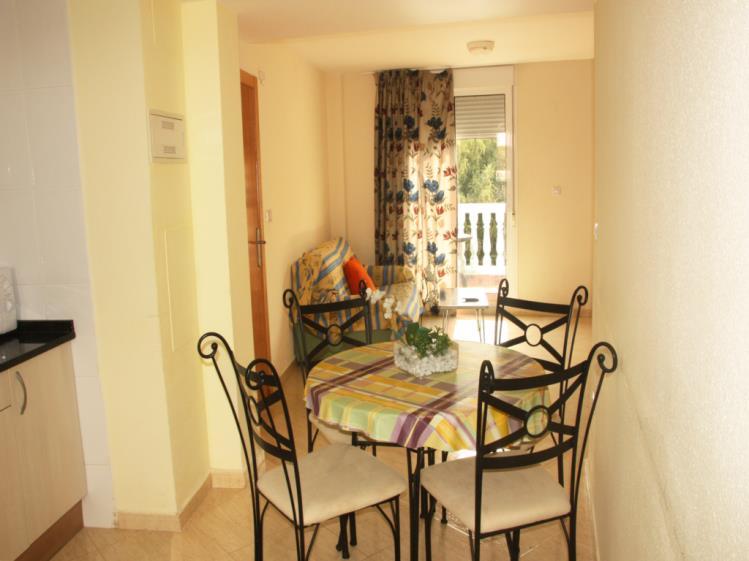 Salón comedor Apartamentos Gardenias 3000 Alcoceber