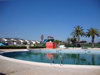 piscina_6-apartamentos-penismar-i-y-ii-3000peniscola-costa-azahar.jpg