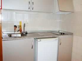 cocina_2-apartamentos-sapporo-3000pas-de-la-casa-estacion-grandvalira.jpg