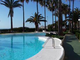 Piscina2-Apartamentos-Casablanca-3000-ALCOCEBER-Costa-Azahar.jpg