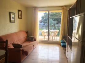 salon_3-apartamentos-mistral-3000oropesa-del-mar-costa-azahar.jpg