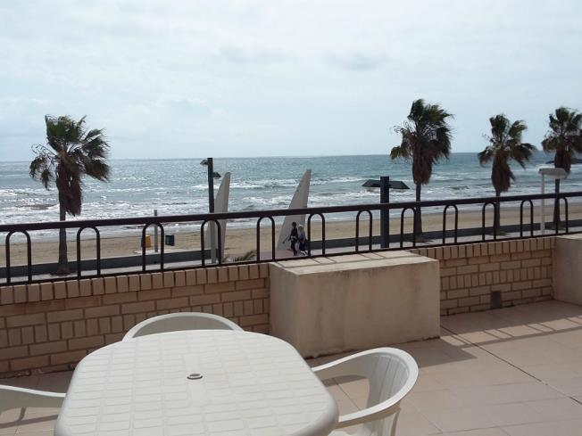 Terraza Apartamentos Bernat Pie de Playa 3000 Oropesa del mar