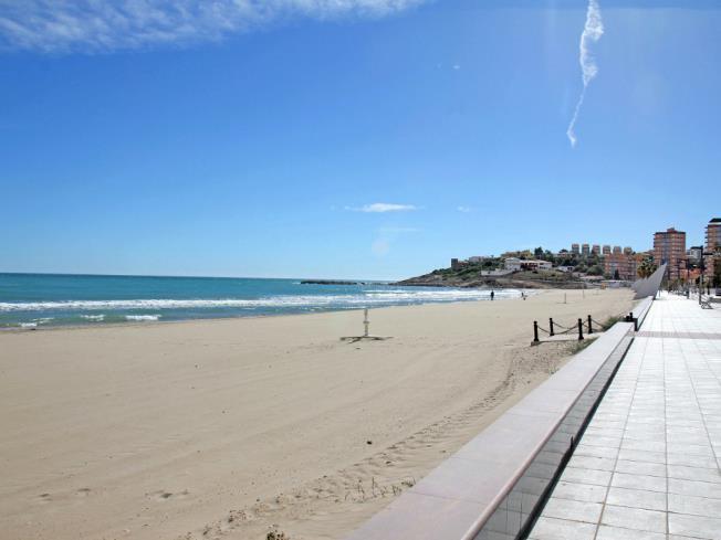 Vistas1-Apartamentos-Bernat-Pie-de-Playa-3000-OROPESA-DEL-MAR-Costa-Azahar.jpg