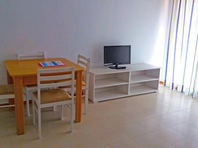 salon-apartamentos-bernat-pie-de-playa-3000-oropesa-del-mar-costa-azahar.jpg