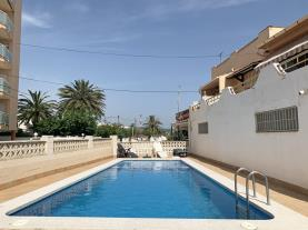 piscina-1-apartamento-papa-luna-primera-linea-3000peniscola-costa-azahar.jpg