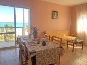 salon-comedor-apartamento-papa-luna-primera-linea-3000-peniscola-costa-azahar.jpg