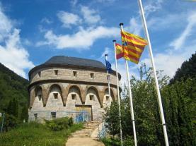 Torreta de los Fusileros Canfranc Pirineo Aragonés España