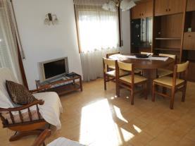 salon-comedor-1-apartamentos-susana-3000cambrils-costa-dorada.jpg