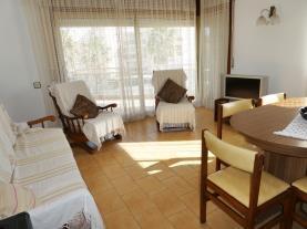 salon-comedor-2-apartamentos-susana-3000cambrils-costa-dorada.jpg