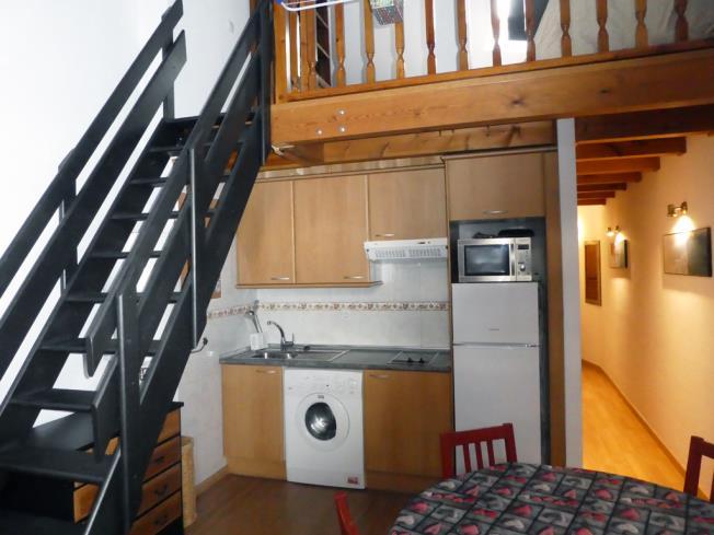 cocina_2-apartamentos-biescas-3000biescas-pirineo-aragones.jpg