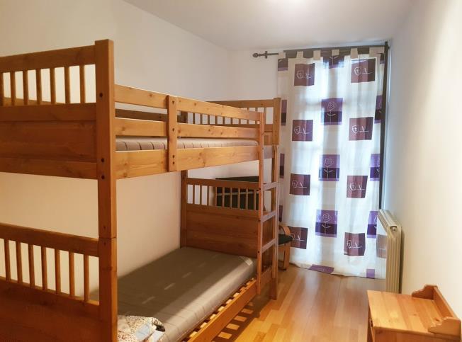 dormitorio_8-apartamentos-biescas-3000biescas-pirineo-aragones.jpg