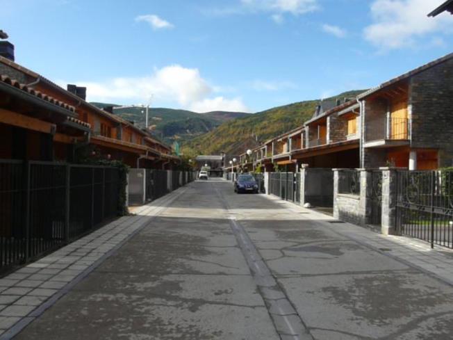 exterior_6-apartamentos-biescas-3000biescas-pirineo-aragones.jpg