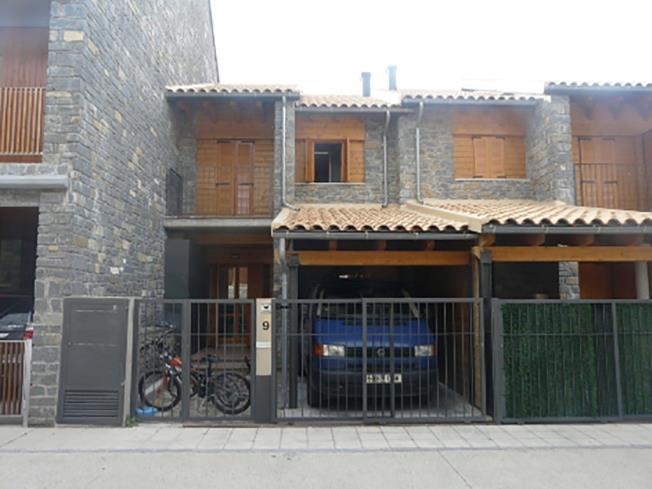 garaje-apartamentos-biescas-3000-biescas-pirineo-aragones.jpg