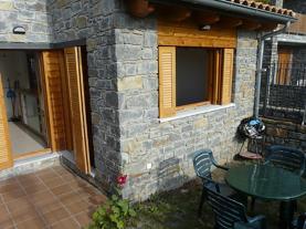 jardin_1-apartamentos-biescas-3000biescas-pirineo-aragones.jpg