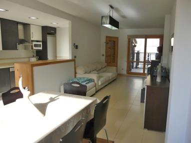 salon-comedor_1-apartamentos-biescas-3000biescas-pirineo-aragones.jpg