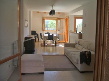salon_8-apartamentos-biescas-3000biescas-pirineo-aragones.jpg