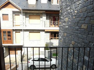 vistas-apartamentos-biescas-3000-biescas-pirineo-aragones.jpg