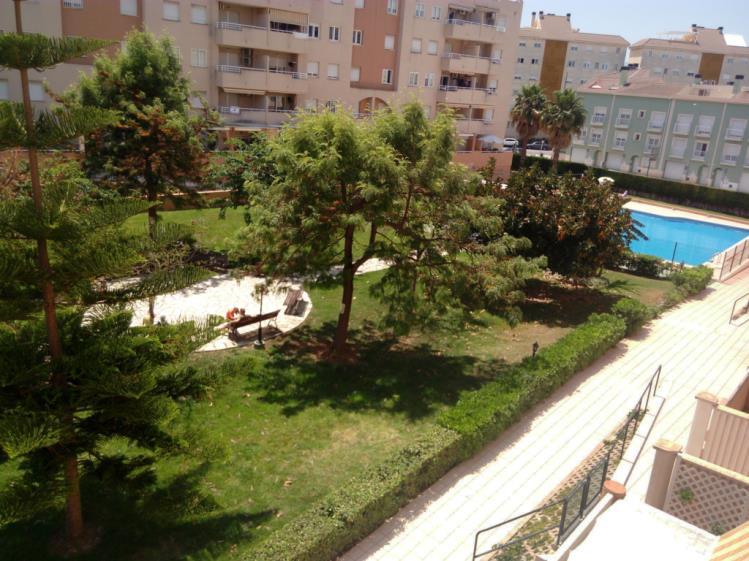 piscina_3-apartamentos-gandia-universidad-3000gandia-costa-de-valencia.jpg