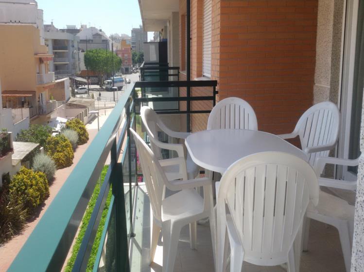 terraza_4-apartamentos-gandia-universidad-3000gandia-costa-de-valencia.jpg