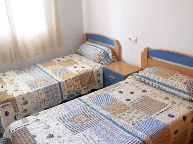 Dormitorio2-Apartamentos-Bonaire-3000-OROPESA-DEL-MAR-Costa-Azahar.jpg