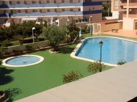 Piscina-Apartamentos-Bonaire-3000-OROPESA-DEL-MAR-Costa-Azahar.jpg
