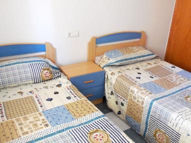 Dormitorio3-Apartamentos-Bonaire-3000-OROPESA-DEL-MAR-Costa-Azahar.jpg
