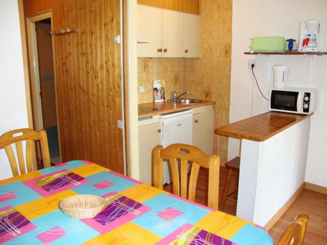 cocina-apartamentos-lake-placid-3000-pas-de-la-casa-estacion-grandvalira.jpg